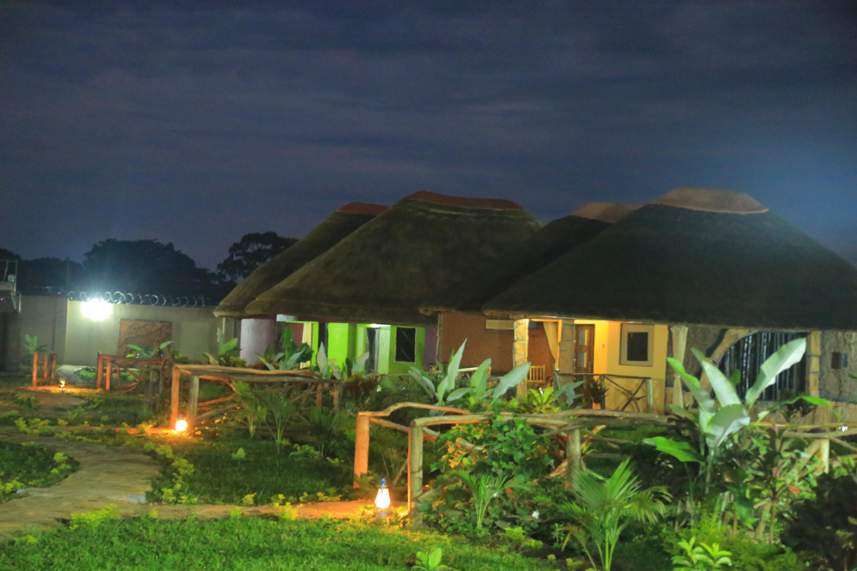 hoima cultural lodge uganda travel guide. Black Bedroom Furniture Sets. Home Design Ideas